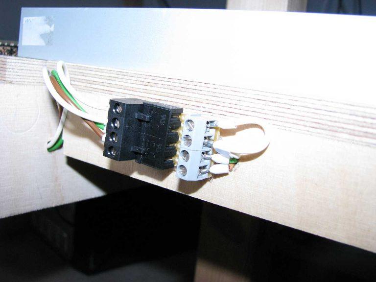 Steckersystem an der Seite
